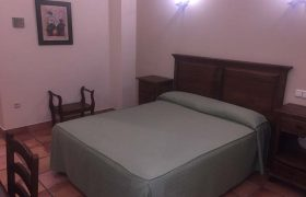 Habitacion doble-doble uso individual. 1 Cama de matrimonio (4)